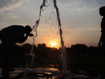 Nắng nóng kinh hoàng, 135 người thiệt mạng ở Ấn Độ