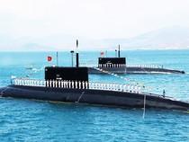 Hình ảnh tuyệt đẹp Tàu ngầm Kilo của Hải quân VN trình diễn trên biển