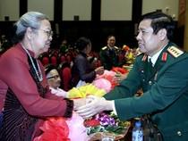 Chùm ảnh: Bộ trưởng Phùng Quang Thanh trong đêm giao lưu 'Khát vọng đoàn tụ'