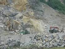 Sập mỏ đá 6 người chết, hai người còn mắc kẹt