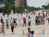 Phố đi bộ Nguyễn Huệ mở cửa