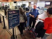 Khủng bố được tuyển vào sân bay Mỹ!