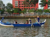 Du lịch trên kênh Nhiêu Lộc - Thị Nghè có gì lạ?