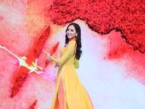Người đẹp HH Hoàn vũ 2015 khoe dáng ngọc ngà