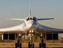 'Đột nhập' căn cứ của dàn máy bay ném bom khổng lồ Nga