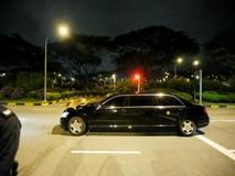 Đoàn xe ông Kim Jong-un đến sân bay,...