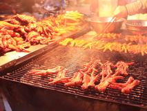 Video: Hiểm họa khôn lường từ đồ nướng vỉa...
