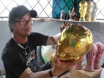 Cận cảnh quy trình làm cúp vàng FIFA World...