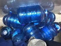 Rước bệnh từ nước uống đóng bình kém chất...