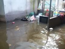Nhiều nhà dân vẫn ngập nặng sau bão số...