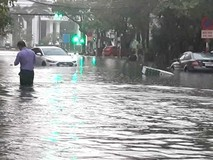 Clip: Mưa lớn suốt đêm, Đà Nẵng biến thành...