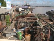 Bắt 4 phương tiện khai thác cát sông trái...
