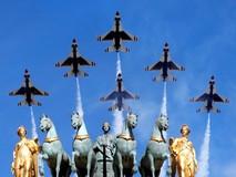 Pháp khoe dàn khí tài hiện đại trong lễ...