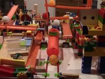 Đã mắt với hệ thống Rube Goldberg cực kỳ...