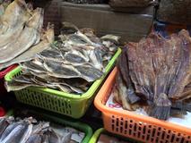 Video: Mối nguy hại từ thực phẩm khô đến...