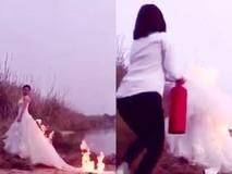 Clip: Cô dâu đốt váy tạo dáng chụp ảnh...