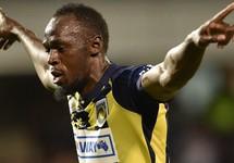 Đá giao hữu ghi 2 bàn, 'vua điền kinh' Bolt bị kiểm tra doping
