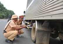 Hàng ngàn tài xế bị phạt vì vỏ xe không đảm bảo tiêu chuẩn