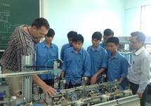 Lao động nước ngoài tại Việt Nam đủ 1 năm buộc phải đóng BHXH