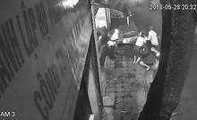 5 phụ nữ giằng co với tên trộm xe SH ở Hà Nội