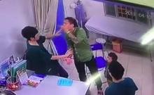 Clip: Bác sĩ BV Xanh Pôn bị người nhà bệnh nhi đấm tới tấp