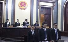 Clip: Chủ tọa lý giải việc xét xử vắng mặt bà Hứa Thị Phấn