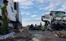 Clip: Hiện trường vụ 13 người trên xe rước dâu tử nạn
