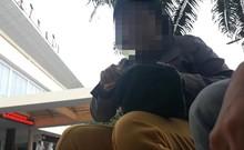 Clip: Cò vé công khai chèo kéo ở Ga Sài Gòn