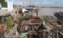 Bắt 4 phương tiện khai thác cát sông trái phép
