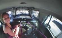 Nghi phạm tự tháo còng tay rồi bỏ trốn bằng xe cảnh sát