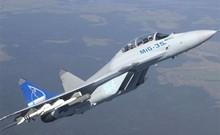 Tiêm kích MiG-35 trình diễn ngoạn mục ở triển lãm
