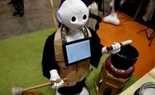 Robot thay sư thầy tụng kinh trong tang lễ ở Nhật Bản