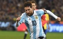 Messi lập hat-trick, Argentina giành vé dự World Cup