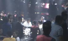 Hơn 20 nam nữ dương tính ma túy tại quán bar Las Vegas
