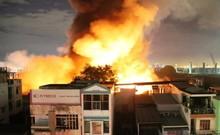 Người dân kể lại giây phút phát hiện vụ cháy ở quận 4