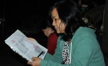 Trắng đêm xếp hàng nộp hồ sơ vào mẫu giáo cho con