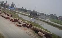 Vượt mặt xe tải bất thành, ô tô lao thẳng xuống ao