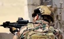 Vua Jordan cực ngầu, cầm súng tập trận cùng quân sĩ