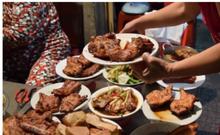 Đĩa cơm tấm 'bãi rác' gần 100.000 đồng vẫn hút khách SG