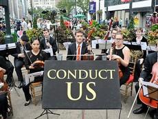 """Chương trình biểu diễn nghệ thuật đường phố """"Conduct Us"""""""