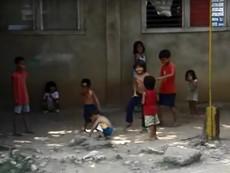 Thú vị xem nhóm trẻ con đường phố nhảy breakdance