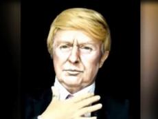 Mất 50 giây để biến Trump thành Hillary