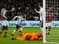West Ham - MU (0-2): Chiến thắng may mắn