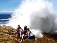 Clip: Những tai nạn 'khó đỡ' khi dạo chơi trên biển