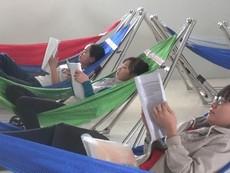 Clip:Sinh viên được ngủ trưa, phục vụ ăn uống miễn phí