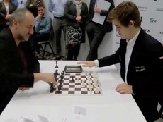 Ván cờ vua nhanh nhất thế giới