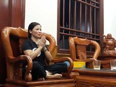 Mẹ Quang Hải cầu nguyện khi thấy con trai bị chấn thương