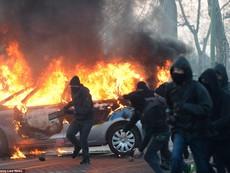 Clip: Cận cảnh cuộc biểu tình làm 'rung chuyển' nước Đức