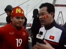Cảm xúc của cầu thủ Quang Hải khi được chào đón trở về