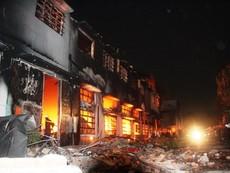Cận cảnh vụ cháy tại kho chứa hàng công ty SamHo
